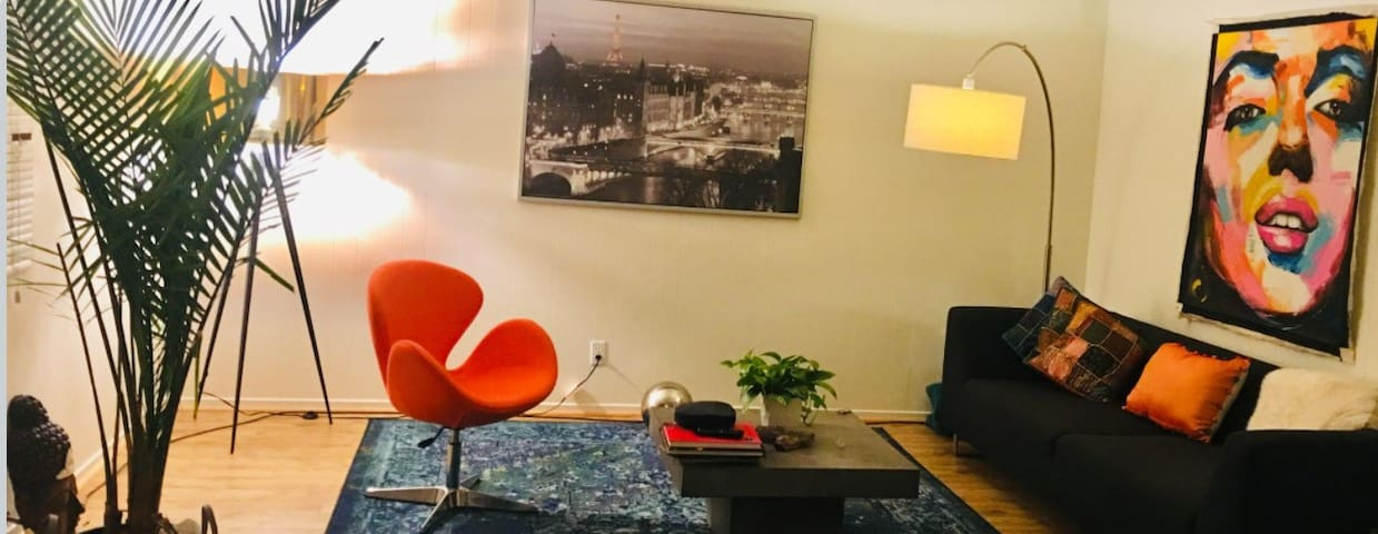 Private Room in Manhattan Beach