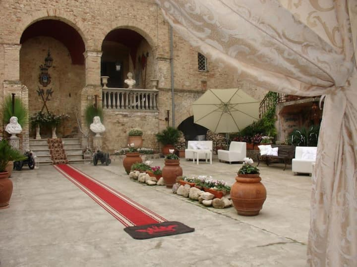 """Molise Location x Eventi, """"Palazzo Baronale Tozzi"""""""