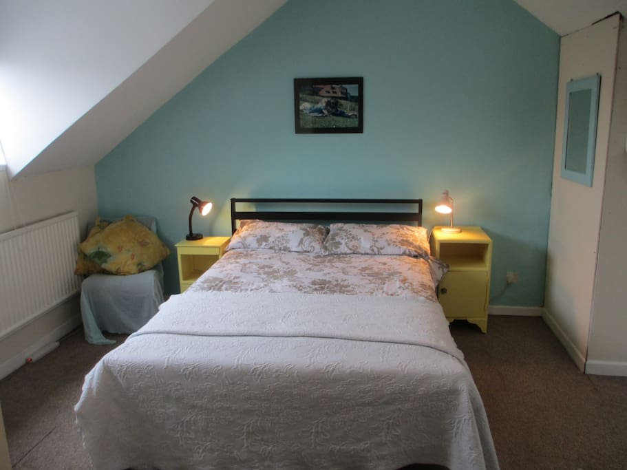 Attic room with double-bed and sofa-bed