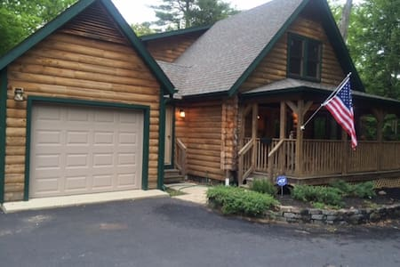 Lake George Log Cabin - Lake George