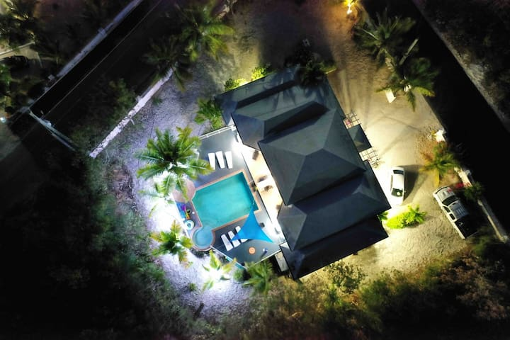 Josy Villa New Location Grace Bay