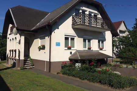 Talabér Vendégház - Vonyarcvashegy - Guesthouse