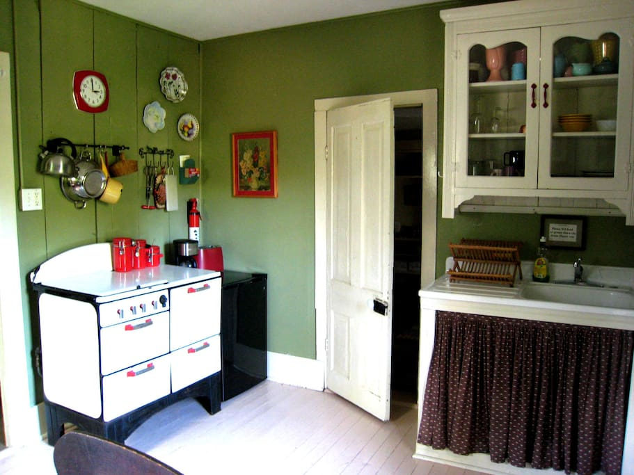 Vintage Kitchen in Wildflower Cottage. Stove Top Cooking only.