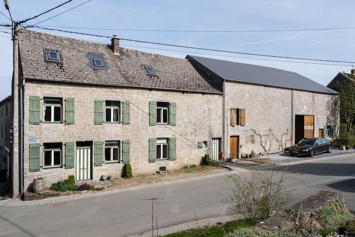 Kindervriendelijke boerderij Petrus te Fagnolle