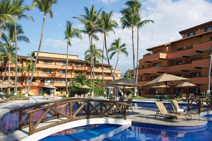 Junior Suite @Villa del Mar w/ beach & pool access