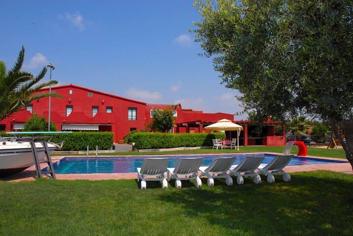 Casa con piscina/padel/futbol/WiFi - Cambrils - Talo