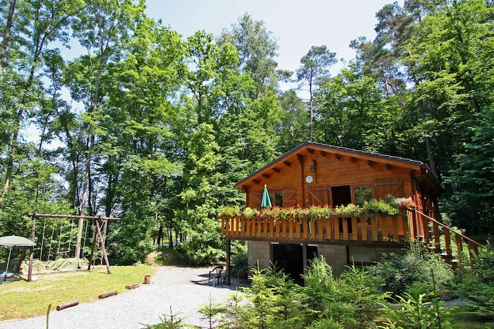 Beautiful chalet situated in the pleasant area Bomal