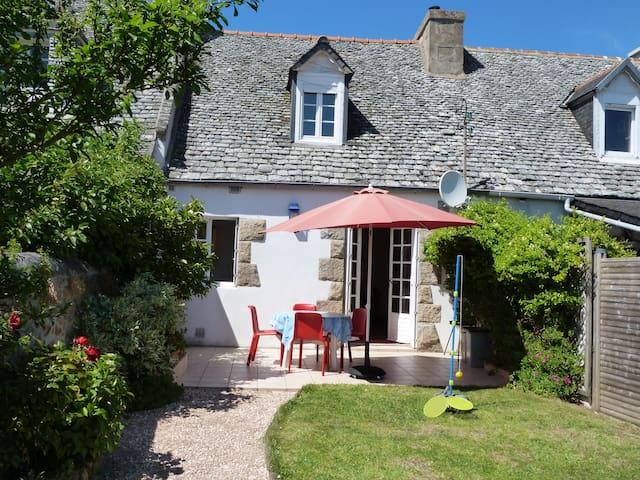 Maison de vacances pour 4 personnes - Plougasnou - บ้าน