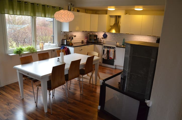 Stor villa i Göteborg - ヨーテボリ - 一軒家