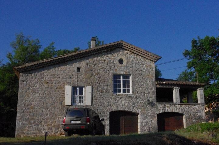 Maison de caractère en pierre à Balazuc