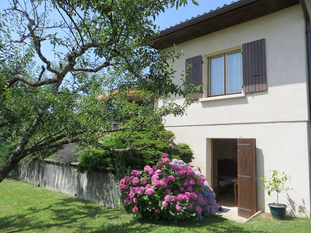 Ground floor of house in Thoiry, near Geneva - Thoiry - 獨棟
