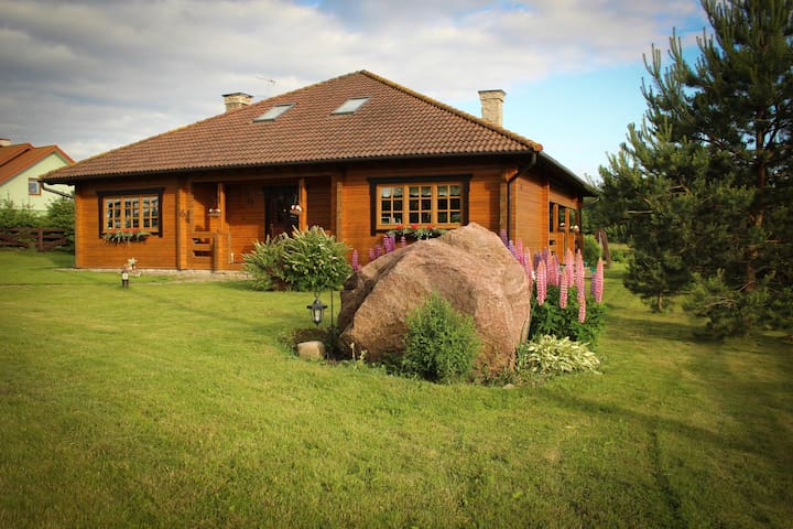 Modern log home 5 km from Tallinn - Saku Parish - Huis