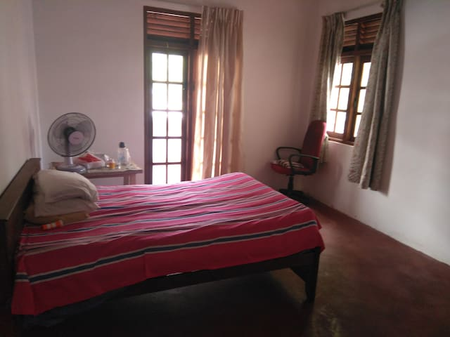 Two rooms to be rented in Rajagiriya, Colombo