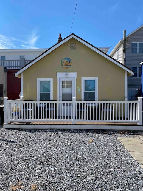 2.5 Blocks to the Beach and Boardwalk!