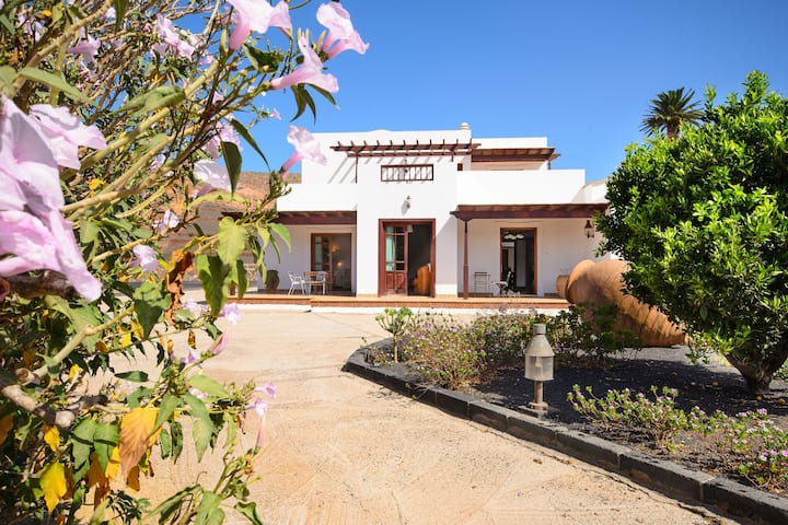 """Tranquil Country Estate """"Finca Remedios"""" with Terrace, Garden & Wi-Fi; Pets Allowed, Parking Available"""