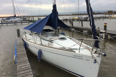 S/V First 211 at Lake Neusiedl - Jois - Vaixell