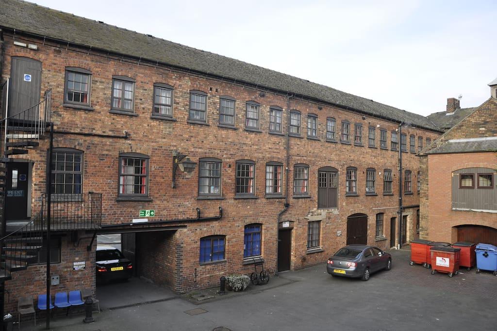 Centre Court Yard