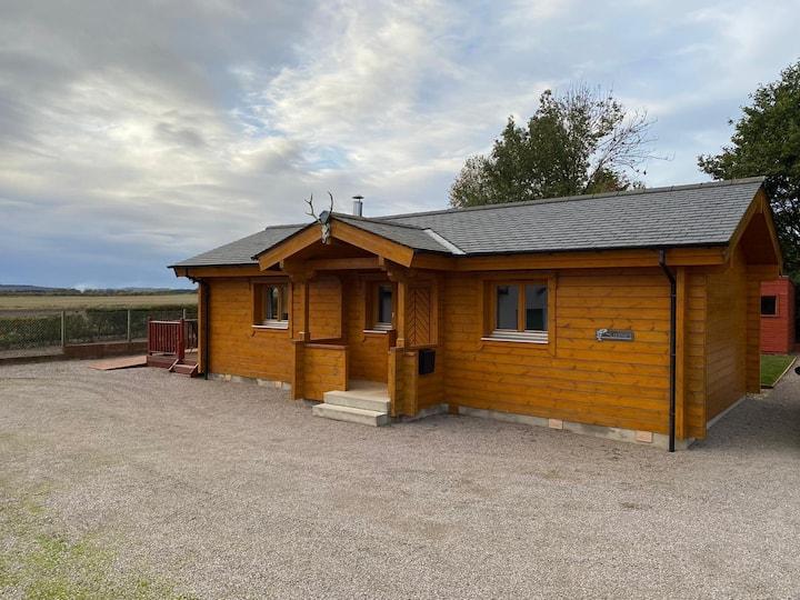 Cosy log cabin close to Lossiemouth