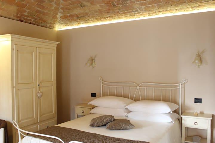 Dimora Cortese - Room La Volta