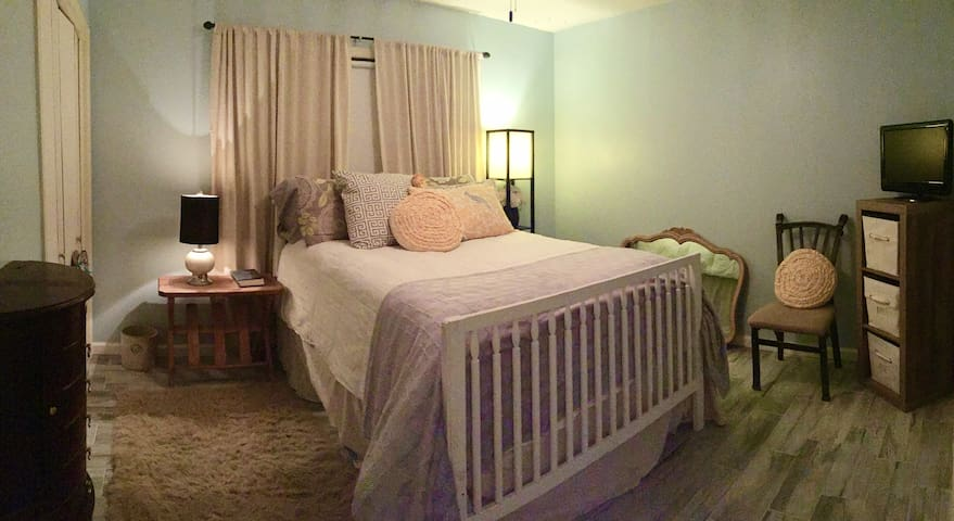 Tee Guest Room-Your home away from home.