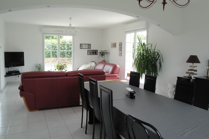 Maison spacieuse au calme - Saint-Samson-de-Bonfossé