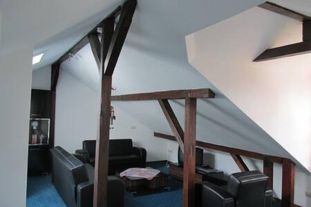 2 Zimmer, Pantry, Bad & WC, - Königstein im Taunus