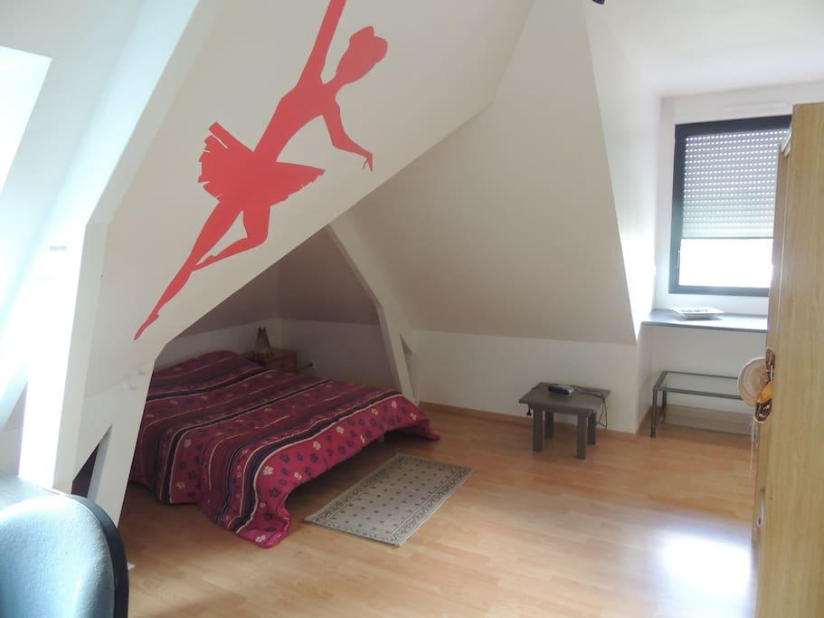 Maison moderne lisi re bois huizen te huur in sarrign pays de la loire frankrijk - Kamer comtemporaine ...