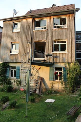 Villa Kunterbunt mit Garten - Freudenstadt - บ้าน