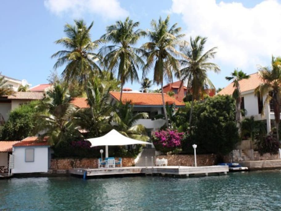 Villa Awa Y Coco at the Spanish Water on Curacao