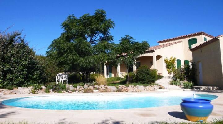 Grande villa  avec piscine à 5 kms de Montpellier