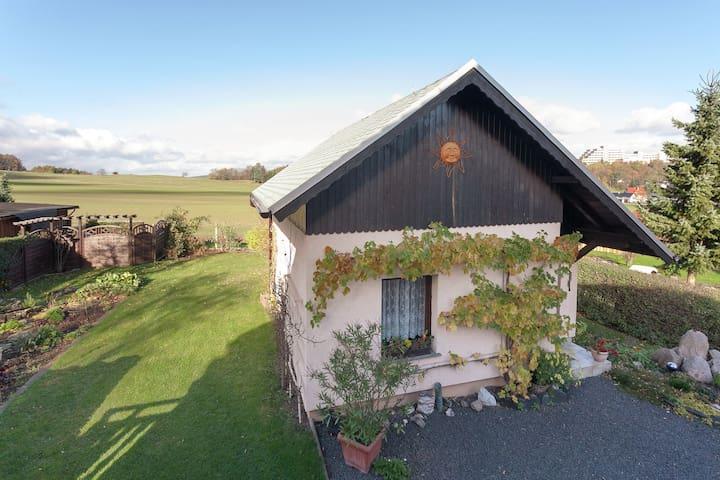 Freistehendes Haus mit großem Garten im Kurort Bad Tabarz