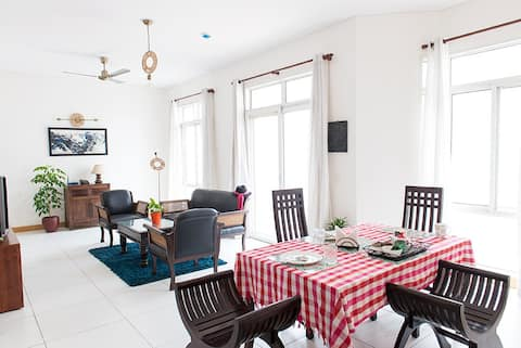 Cosy 2 bedroom  overlooking the Golf Course