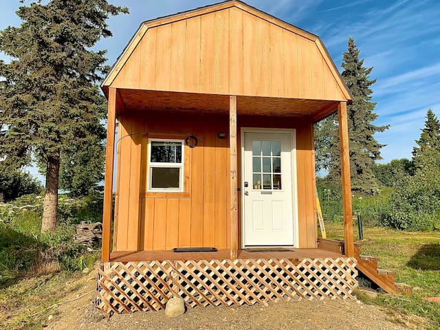 NEW Charming cabin on the bluff of Cook Inlet