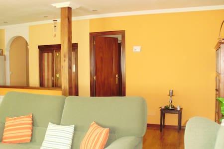 Dormitorio en casa unifamiliar - A Coruña