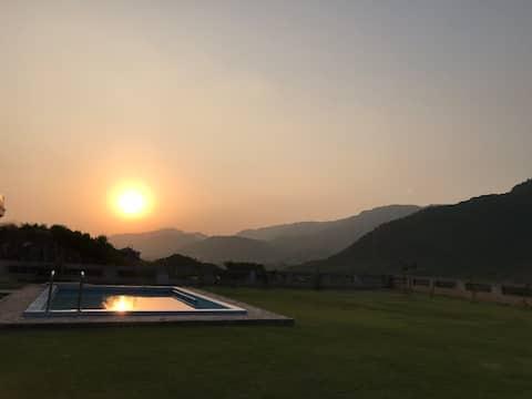 Fantastisk utsikt över bergen, Pool, Avslappnande atmosfär