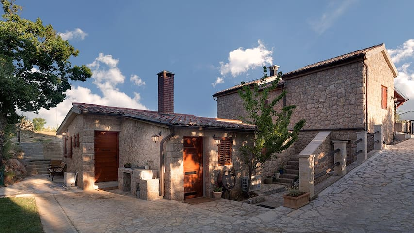 Cozy apartment in beautiful stone house - Seline - Apartamento