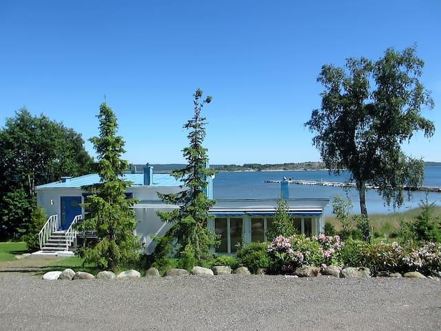 Onsala, Architektenhaus direkt am Fjord