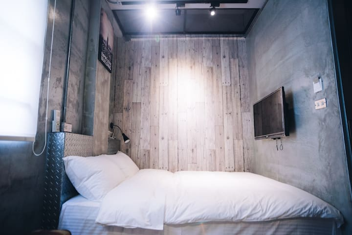 有窩客棧 301精緻雙人房 近車站 獨立衛浴