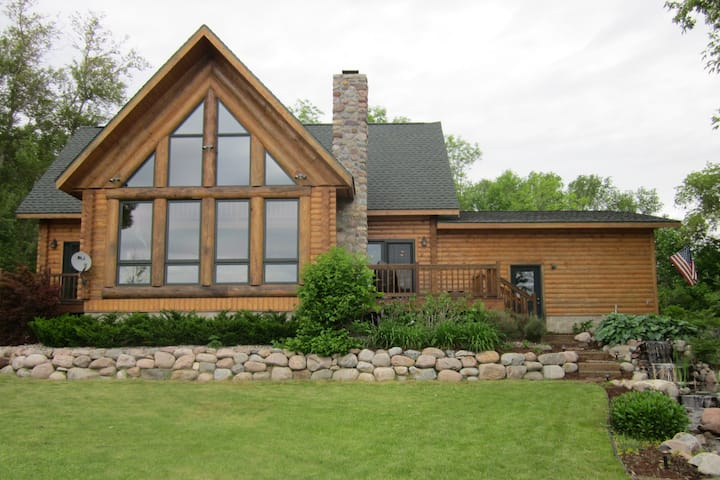 Sticha's Stalker Lake Lodge
