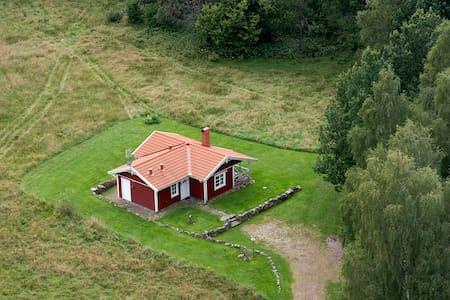 Stuga i lantlig idyll - Falkenberg N - Blockhütte