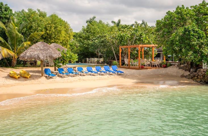 Coral Cove Villa (3 bedrooms) - Discovery Bay - Villa