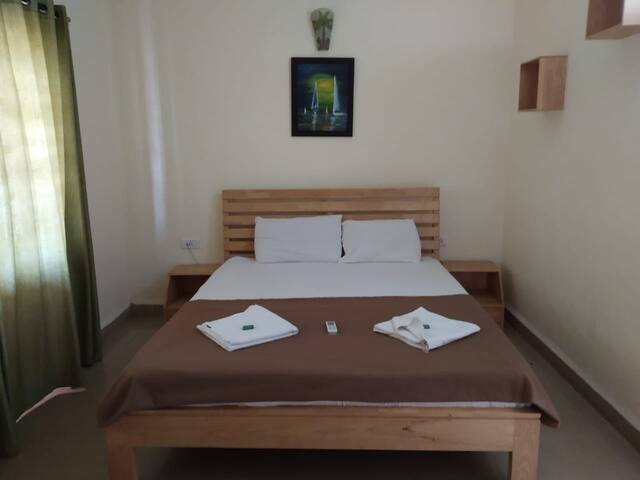 Airconditioned 1bhk  apt for 4 adults - Candolim