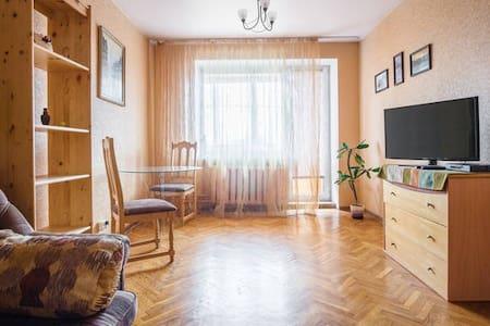 Уютная  квартира  в центре Минска - Minsk - Leilighet