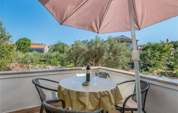 Nice apartment in Malinska with WiFi and 2 Bedrooms