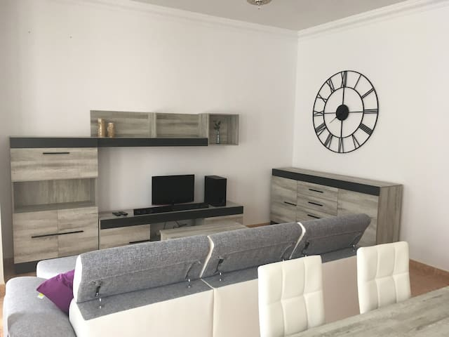 Precioso y espacioso piso recién renovado, ideal!