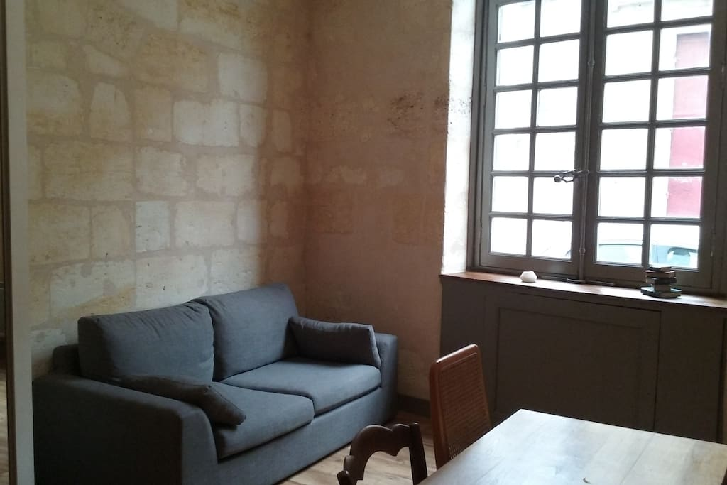 T2 proche place st michel appartements louer for Appartement t2 bordeaux a louer