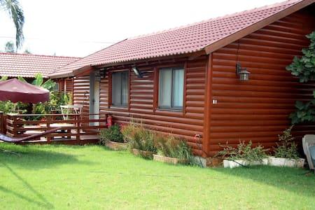 4 summer house 800 per night for 2 - נתיב השיירה - Trädhus
