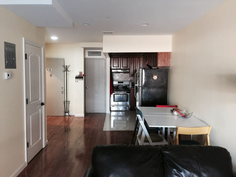 Spacious 1 bedroom 5 min from n q apartments for rent for Aki kitchen cabinets astoria ny