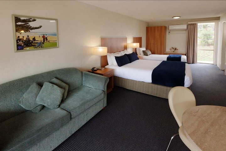 Fairway Retreat Motel Room