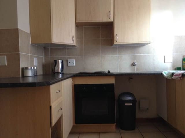 Recently renovated pad in Midrand. - Midrand - Apartment